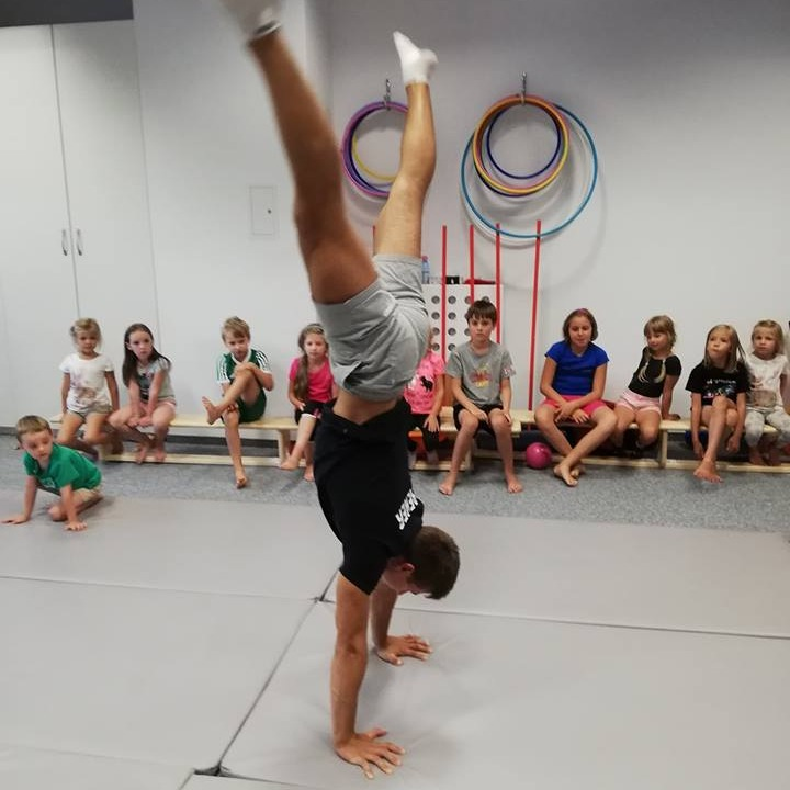 Zajęcia dla dzieci Acrobatic Birds 1 (6-7 lat) w Warszawie