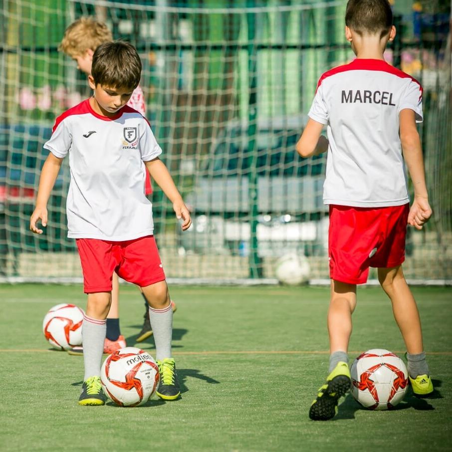 Zajęcia dla dzieci Piłka nożna dla  przedszkolaków rocznik 2014-2016 w Warszawie