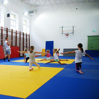 Zajęcia dla dzieci Akrobatyka, 6-9 lat (poziom początkujący) w Warszawie