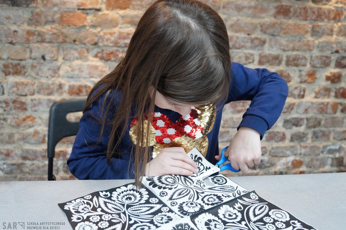 Zajęcia dla dzieci Kurs ceramiki i DIY dla dzieci (klasy 4-6) w Warszawie