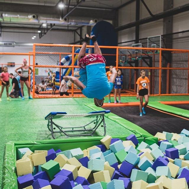 Zajęcia dla dzieci Park trampolin Jump Arena w Warszawie