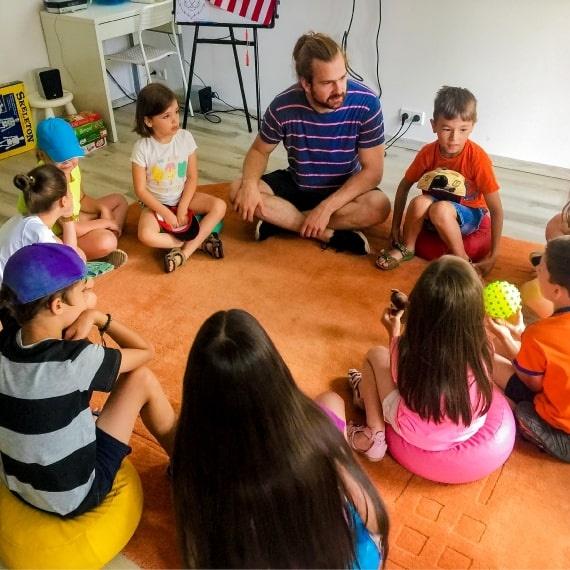 Zajęcia dla dzieci Półkolonie językowe - dwójka rodzeństwa w Warszawie